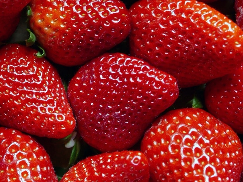 Seeds in the skin of strawberries may also cause discomfort.