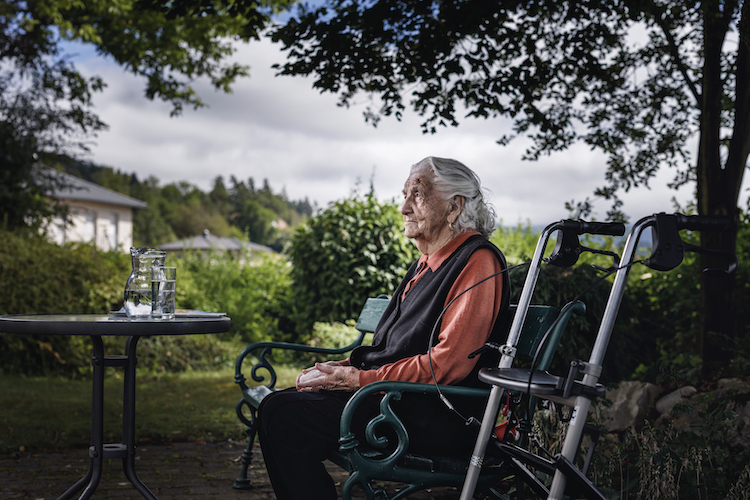 Study adds to concerns about overmedicating people with dementia.