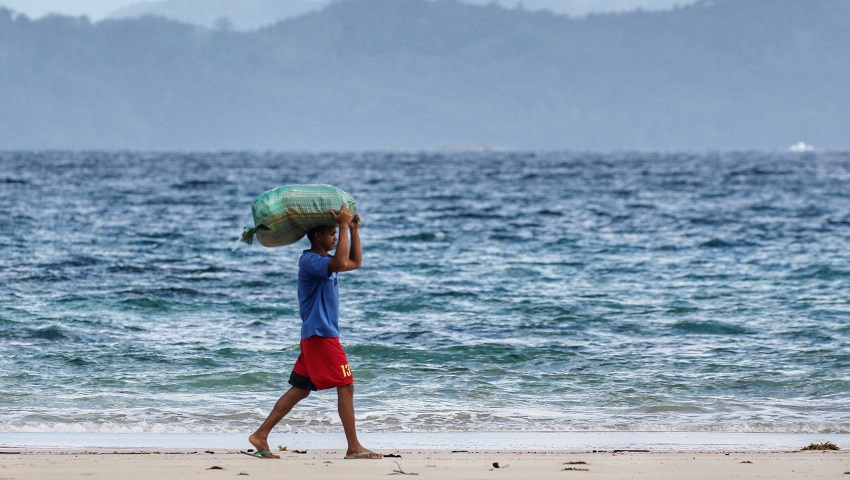 Ocean warming poses a threat to food security and people's livelihoods.